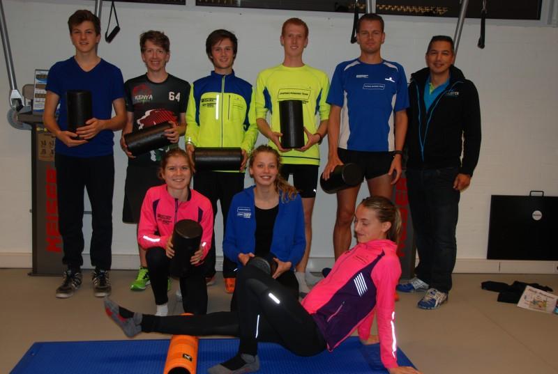 Jaspers Running Team volgt clinic foamrollen