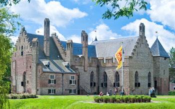 Lopen langs het IJsselmeer
